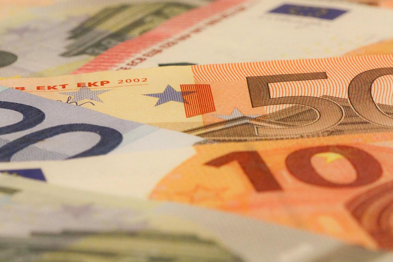 Kredit - Verbraucher zahlten im ersten Quartal 2018 über 600 Millionen Euro zu viel für Kredite